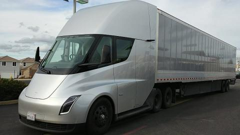 Semi Tesla