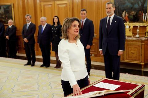 Teresa Ribera jura su cargo como vicepresidenta en el Palacio de la Zarzuela de Madrid.