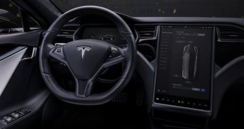 Interior del Tesla Model S.