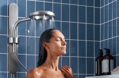 Por qué Tim Cook ha invertido millones en esta ducha que descubrió en el gimnasio.