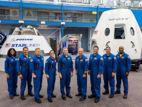 Los 9 astronautas que volarán en las primeras 4 misiones tripuladas del Crew Dragon y el CST-100 Starliner.