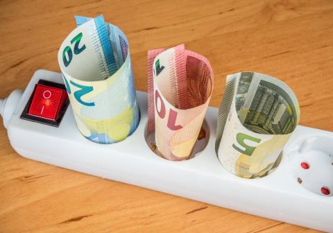 15 mitos sobre la factura de la luz que te están haciendo gastar más dinero