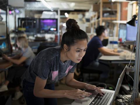 El área de la Bahía de San Francisco, Nueva York, Seattle, Boston y Washington, D.C.son las principales ciudades de contratación.