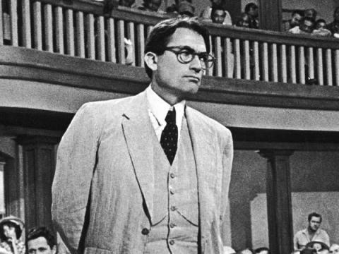 Gregory Peck como Atticus Finch en Matar a un ruiseñor.