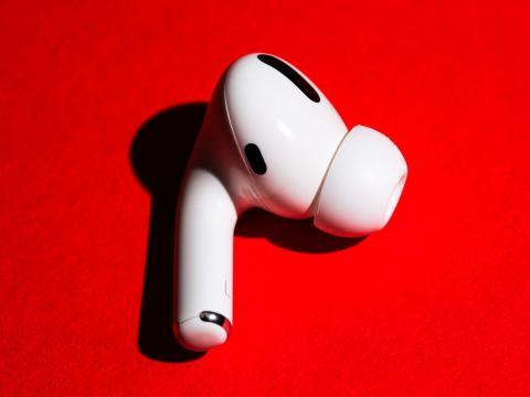 Un AirPod Pro de Apple