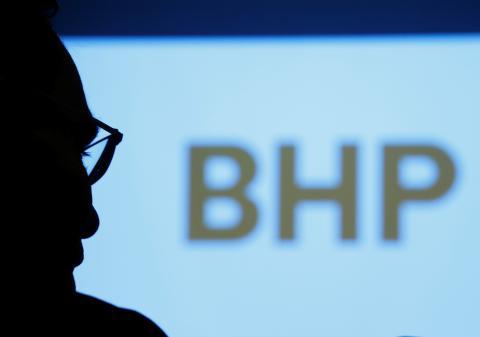 Andrew Mackenzie, CEO de BHP Billiton, en un encuentro con periodistas en Japón.