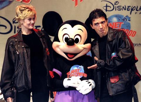 Antonio Banderas y Melanie Griffith en Planet World.