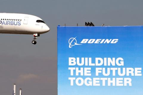 Un Boeing en una feria de aviación de París