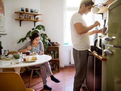 Puedes trabajar en desarrollar buenos hábitos con tu pareja.