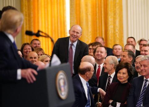 El CEO de Boeing Dave Calhoun en una ceremonia en la Casa Blanca en enero de 2020.