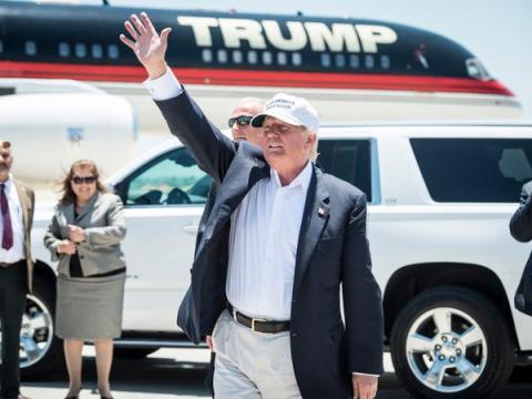 En conjunto, la flota de dos aviones y tres helicópteros de Trump está valorada actualmente en 32 millones de dólares.