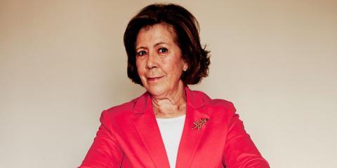 Curri Valenzuela.