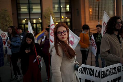 Estudiantes españoles protestando.