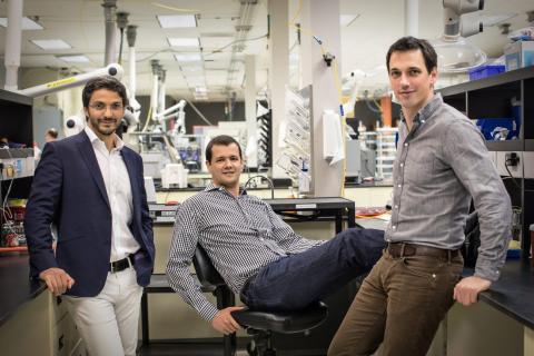 Los fundadores de Sila Nanotechnologies, Gleb Yushin, a la izquierda, Gene Berdichevsky, en el centro, y Alex Jacobs.
