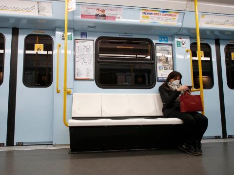 Metro de Milán, Italia.
