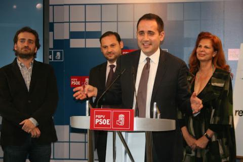 José Luis Ábalos junto al Grupo Municipal del PSPV-PSOE en el Ayuntamiento de Valencia.
