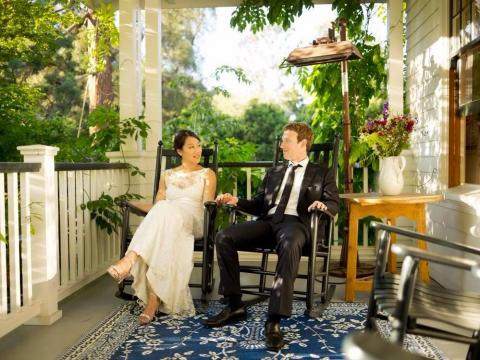 Mark Zuckerberg y Priscilla Chan el día de su boda