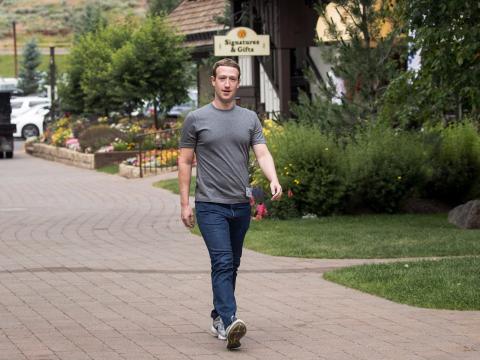 Mark Zuckerberg siempre lleva el mismo atuendo