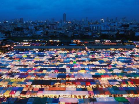 Una vista general del mercado de Bangkok el 23 de agosto de 2018.