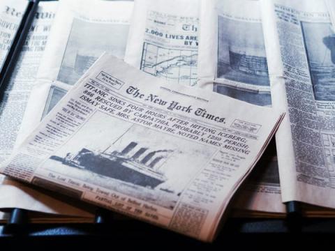 Periódicos informando del accidente