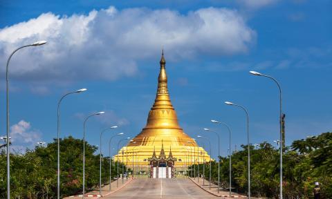 Pagoda Uppatasanti en Naypyidaw, la capital de Myanmar