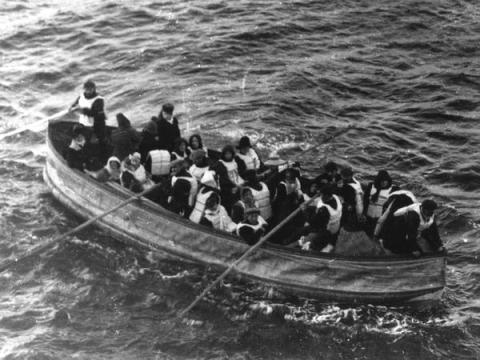 Se dice que los botes salvavidas eran sólo para mujeres y niños.
