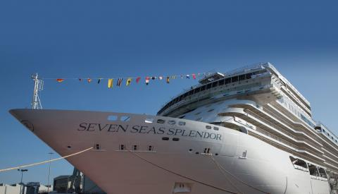 El Seven Seas Splendor ya navega hacia Miami.
