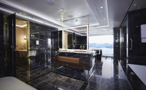 Esto es solo el baño de la suite.