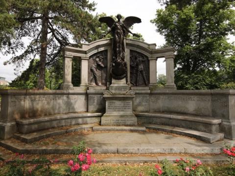El monumento a los ingenieros del Titanic en Southampton, Inglaterra.