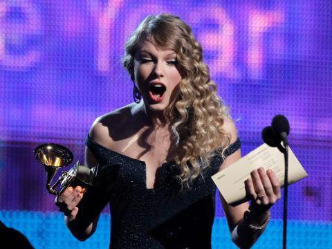 En 2010, Taylor Swift se convirtió en el artista más joven en ganar el Álbum del Año.