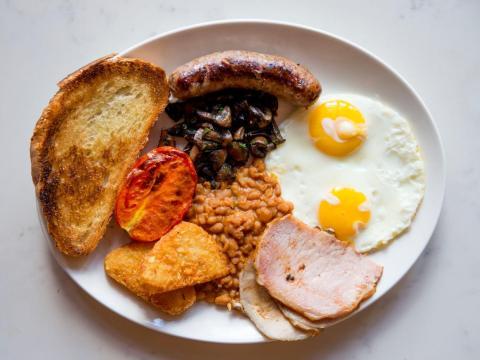 Desayuno inglés completo.