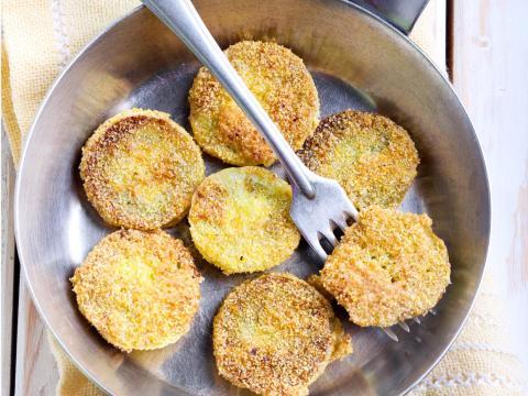 Los tomates verdes fritos son un alimento básico del Sur.