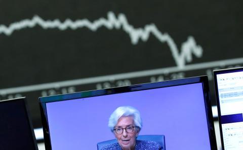Las bolsas caen durante la rueda de prensa de la presidenta del BCE, Christine Lagarde