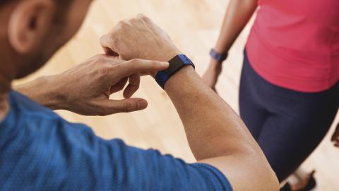 Charge 4 es la nueva pulsera de actividad con GPS de Fitbit
