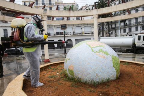 Desinfectar el mundo de coronavirus.