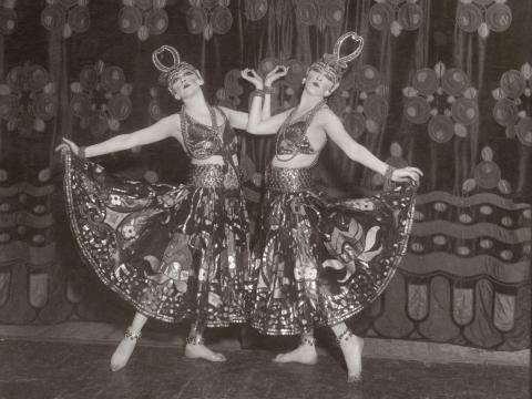Las Dolly Sisters eran artistas alemanas de Vaudeville.