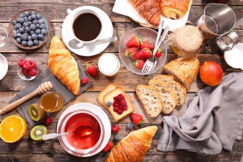 Un estudio clínico descubre que tomar un desayuno fuerte puede ayudar a adelgazar