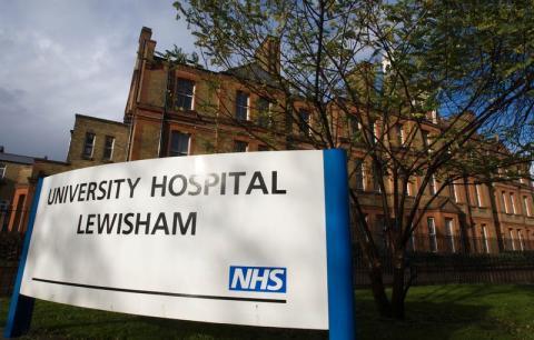 Hospital Universitario Lewisham en Londres, donde una paciente con coronavirus llegó en un Uber el 13 de febrero.