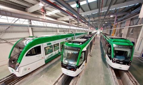 Imágenes de trenes de CAF.