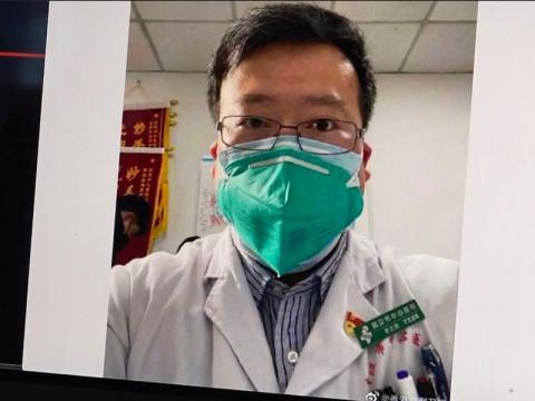 Li Wenliang, el médico que advirtió sobre el coronavirus y fue castigado.