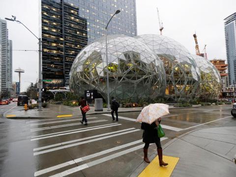 Las esferas en el centro de Seattle, Washington.