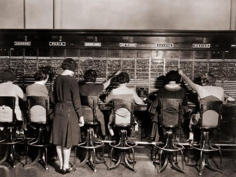 Operadoras de centralita en 1925.