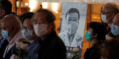 Vigilia por Li Wenliang, en Hong Kong, el viernes 7 de febrero de 2020.