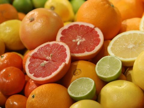 Ninguna cantidad de vitamina C te protegerá del coronavirus.