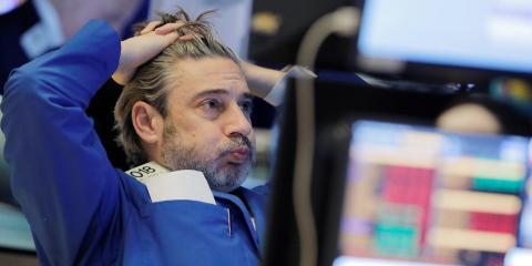 Oil plummets 31% in biggest drop since Gulf War as Saudi cuts spark all-out price war