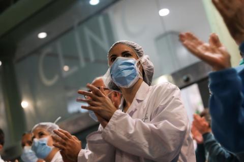 Sanitarios españoles contra el coronavirus.