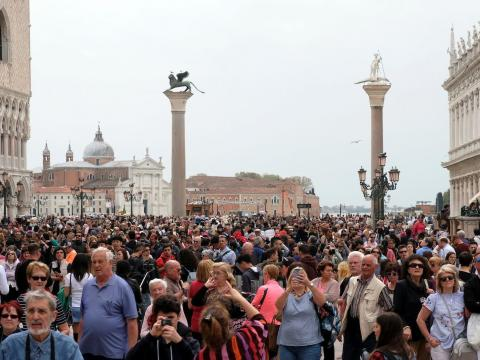 BEFORE: St. Mark's Square in Venice, Italy, is a tourist hot spot that sees 26 million to 30 millionvisitors annually.