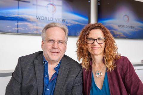Taber MacCallum y Jane Poynter en la sede World View, en Tucson, Arizona.