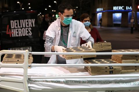 Trabajador de Delivery en plena crisis del coronavirus en España.