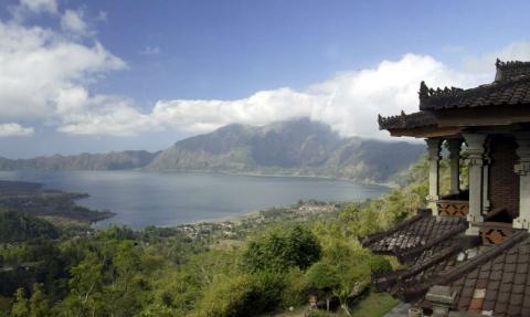 Una vista del Lago Batur, en las Montañas Centrales de Bali.